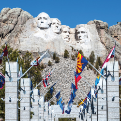 yellowstone, deadwood, mount rushmore, bus